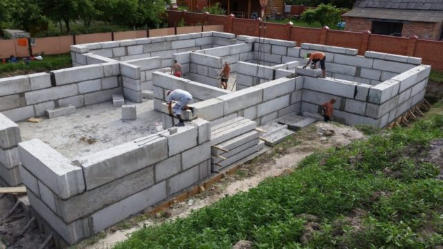 Фундамент дома из блоков