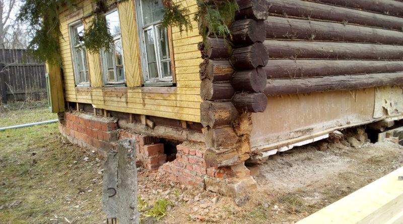 Как поднять деревянный дом своими руками?